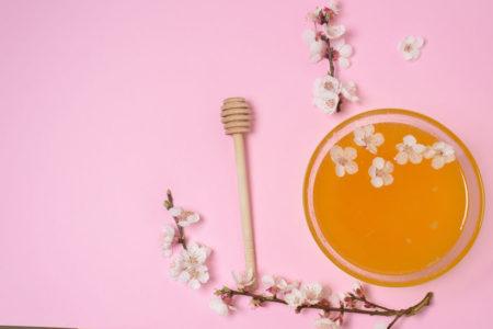 Honig und Zweig der Südseemyrte
