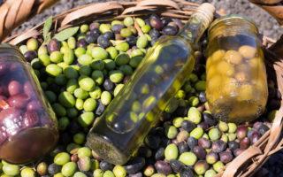 Olivenöl und Oliven - Seife herstellen